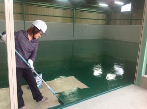 塗り床塗装 実可