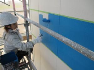 女性塗装職人