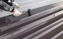 愛知県西三河東三河西尾市店舗外壁塗装屋根塗装外壁耐候性シリコン塗装屋根超低汚染遮熱シリコン塗装傷み汚れ割れクラック色褪せ欠け屋根施工写真中塗り