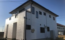 愛知県西三河東三河西尾市外壁塗装超低汚染遮熱シリコンアステックリファイン塗装外壁修繕汚れひび割れ欠けクラック色褪せ施工後完成全体2
