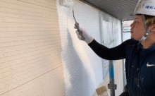 愛知県西三河東三河額田郡幸田町外壁塗装アステック超低汚染無機フッ素カラーボンドベイジュ施工写真下塗り