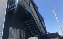 愛知県西三河東三河西尾市屋上防水工事鉄骨階段塗装工事マックスシールド汚れクラックひび割れメンテナンス施工写真鉄骨階段下場