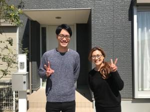 西三河東三河愛知県西尾市外壁超低汚染遮熱シリコン塗装カラーボンドスレートグレー屋上防水お客様と写真