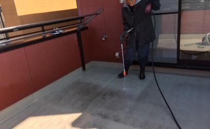 愛知県西三河東三河半田市ベランダ防水工事FRP保護仕上げ洗浄