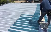 愛知県西三河東三河西尾市屋根塗装シリコン塗装汚れ錆色褪せ施工写真上塗り