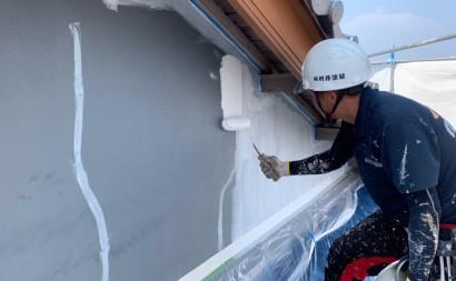 愛知県西三河東三河西尾市外壁塗装工事遮熱断熱セラミックガイナ塗装破風部切妻部塗装施工写真下塗り