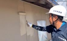 愛知県西三河東三河西尾市外壁塗装工事遮熱断熱セラミックガイナ塗装ベージュ外壁施工写真上塗り2回目