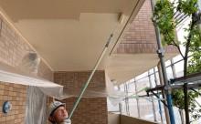 愛知県西三河西尾市マンション塗替え外壁超低汚染遮熱シリコン塗装ミッドビスケットタイル壁クリヤー塗装施工写真ケンエース1回目