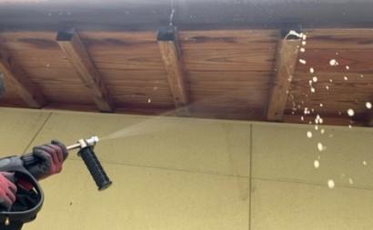 愛知県西三河東三河西尾市木造外壁塗装アステック超低汚染無機フッ素塗装オレンジホワイト傷み色褪せひび割れ汚れメンテナンス軒天木部施工手順洗い流し