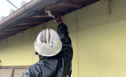 愛知県西三河東三河西尾市木造外壁塗装アステック超低汚染無機フッ素塗装オレンジホワイト傷み色褪せひび割れ汚れメンテナンス軒天木部施工手順アク抜き