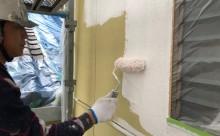 愛知県西三河東三河西尾市木造外壁塗装アステック超低汚染無機フッ素塗装オレンジホワイト傷み色褪せひび割れ汚れメンテナンス外壁塗装施工手順下塗り