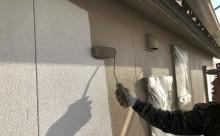 愛知県西三河東三河西尾市外壁塗装工事網戸張替え工事アステック超低汚染無機フッ素塗装カラーボンドベイジュ汚れ傷み色褪せメンテナンス外壁施工手順中塗り