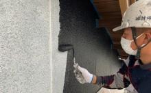 愛知県西三河東三河西尾市外壁塗装工事木部擁壁塗装工事低汚染高耐久シリコン塗装木部黒ずみ汚れ経年劣化メンテナンス外壁塗装施工手順中塗り