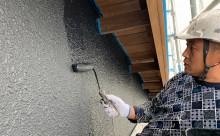 愛知県西三河東三河西尾市外壁塗装工事木部擁壁塗装工事低汚染高耐久シリコン塗装木部黒ずみ汚れ経年劣化メンテナンス外壁塗装施工手順上塗り