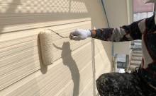 岡崎市外壁塗装クリーム系上塗り